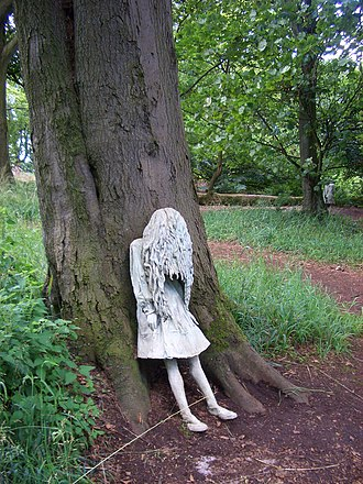 Laura Ford - Image: Weeping Girls by Laura Ford (2)