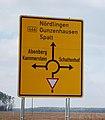 Wegweiser Kreisverkehr 3089.jpg