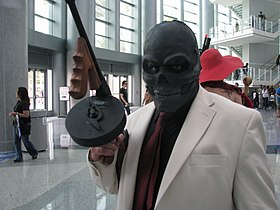 Cosplay de Black Mask.