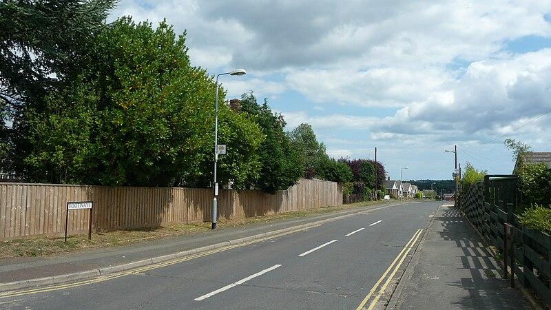 File:Wootton Footways Top bus stop.JPG