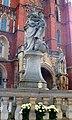 Wrocław, Ostrów Tumski statua Matki Boskiej z Dzieciątkiem(4).jpg