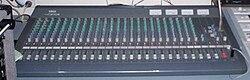 الإستوديو التليفزيونى 250px-Yamaha_MC2403_audio_mixing_console_%281992%29