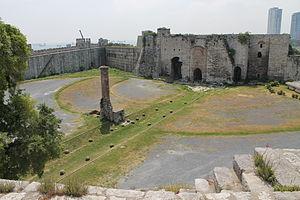 Yedikule Fortress - Image: Yedikule Zindanları 1
