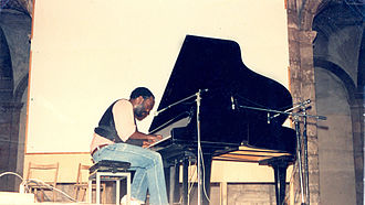 Yul Anderson - Yul Anderson Pioneer of Amnesty International fundraising through music performing first Human Rights December 10 concert, Rome, Italy, 1982