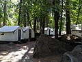 Zelthaus im Yosemite Valley (22062076639).jpg