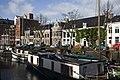 Zicht op het pand vanaf de overkant van de Noorderhaven, ligging in het straatbeeld - Groningen - 20416947 - RCE.jpg