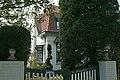 """""""La Moineaudière"""", gekoppelde villa in cottagestijl, Welseweg 8, 't Zoute (Knokke-Heist).JPG"""