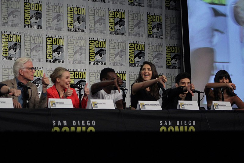File:'The Good Place' cast and crew visit San Diego Comic Con for a panel (43768257142).jpg
