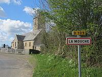 Église Saint-Martin de La Mouche - Entrée du bourg.JPG