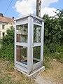 Étival - Ancienne cabine téléphonique boîte à livres (juil 2018).jpg