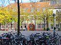 Östliche Platzwand Universitätsplatz Heidelberg Augustinergasse links von der Merianstraße, rechts vom Marsiliusplatz begrenzt 0240.JPG