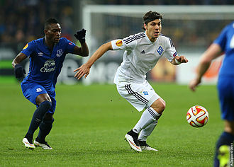 Christian Atsu - Atsu (left) playing for Everton in the Europa League match against Dynamo Kyiv on 19 March 2015
