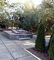 Братська могила радянських воїнів. Поховано 5 чол., с. Воздвижівка, в центрі села, Гуляйпільський р-н, Запорізька область.jpg