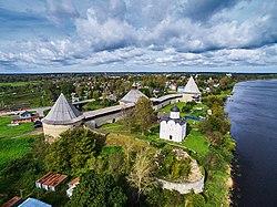 Крепость Старая Ладога с высоты птичьего полета 01.jpg