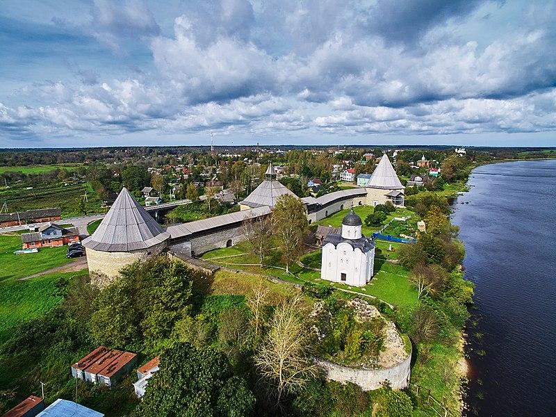 File:Крепость Старая Ладога с высоты птичьего полета 01.jpg