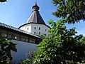 Стены и юго-западная башня Новоспасского монастыря Москва.JPG
