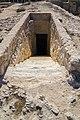 مدخل الممرات السرية اسفل منطقة عمود السوارى.jpg
