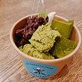アニーのアイスクリーム屋さんのアイスクリーム3トッピング(自家製あんこ,抹茶のムース,抹茶わらび餅).jpg