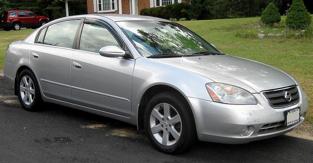 File02 04 Nissan Altima 25sg Wikimedia Commons