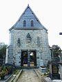 029 Daoulas Le porche d'entrée de l'enclos paroissial vu côté cimetière.jpg