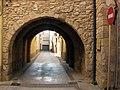 043 Portal de la Trinitat, al Pla de Santa Maria.jpg