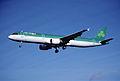 158eb - Aer Lingus Airbus A321-211, EI-CPF@LHR,27.10.2001 - Flickr - Aero Icarus.jpg