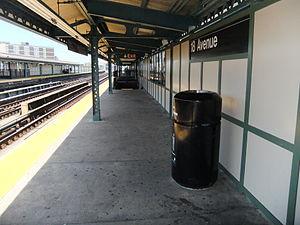 18th Avenue (BMT West End Line) - Image: 18th Avenue (West End) Platforms