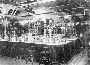 Soda fountain - Hess Brothers Soda Fountain in Allentown PA, 1913