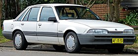 1986-1988 Holden VL Commodore Executive sedan 03.jpg