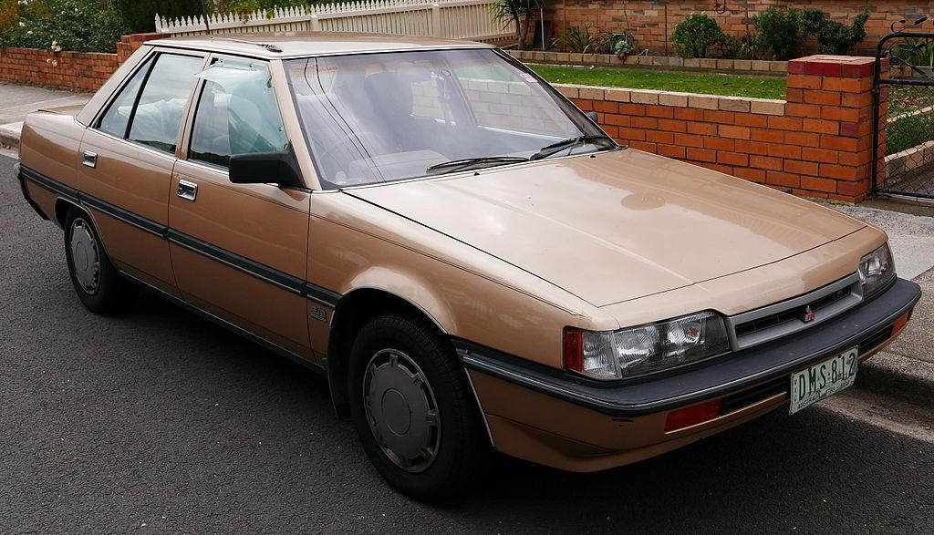 1024px-1988_Mitsubishi_Magna_%28TN%29_GL