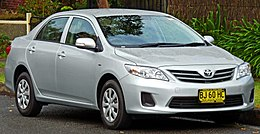 2010-2011 Toyota Corolla (ZRE152R MY11) Ascent sedan (2011-04-28) 01.jpg