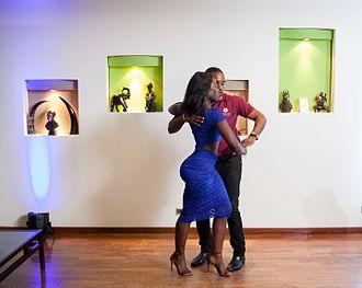 Kizomba - A couple dances kizomba
