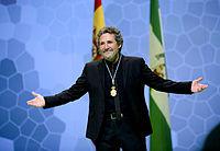 28.02.14 Miguel Rios recibiendo la medalla de Andalucía.jpg