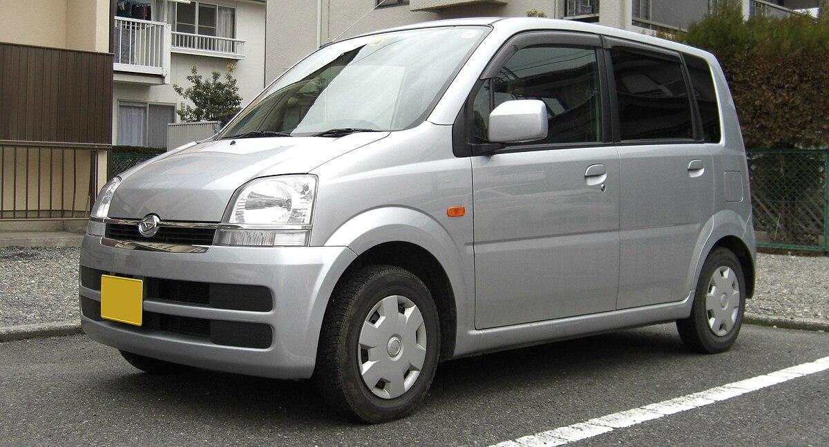 3rd generation Daihatsu Move.jpg