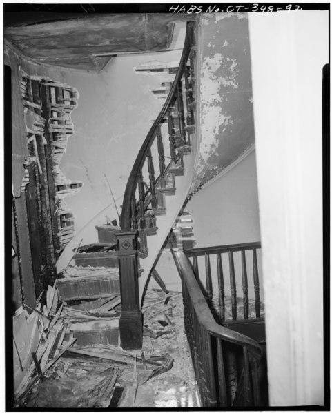 File:46 WASHINGTON STREET SPIRAL STAIRWAY, SECOND FLOOR