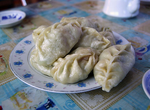 A plate of steaming momo, Xiahe