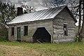 Abandoned plantation near Wakefield VA 16 (40674074455).jpg