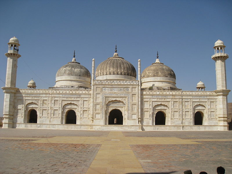 File:Abbasi Mosque from front.jpg