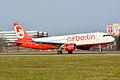 Airbus A320-214 (D-ABNE) 01.jpg