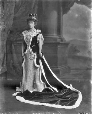 Almina Herbert, Countess of Carnarvon - Lady Carnarvon in Occasion of the Coronation of King Edward VII, 9 August 1902