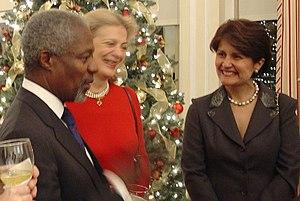 Goli Ameri - Goli Ameri with former UN Secretary-General Kofi Annan.