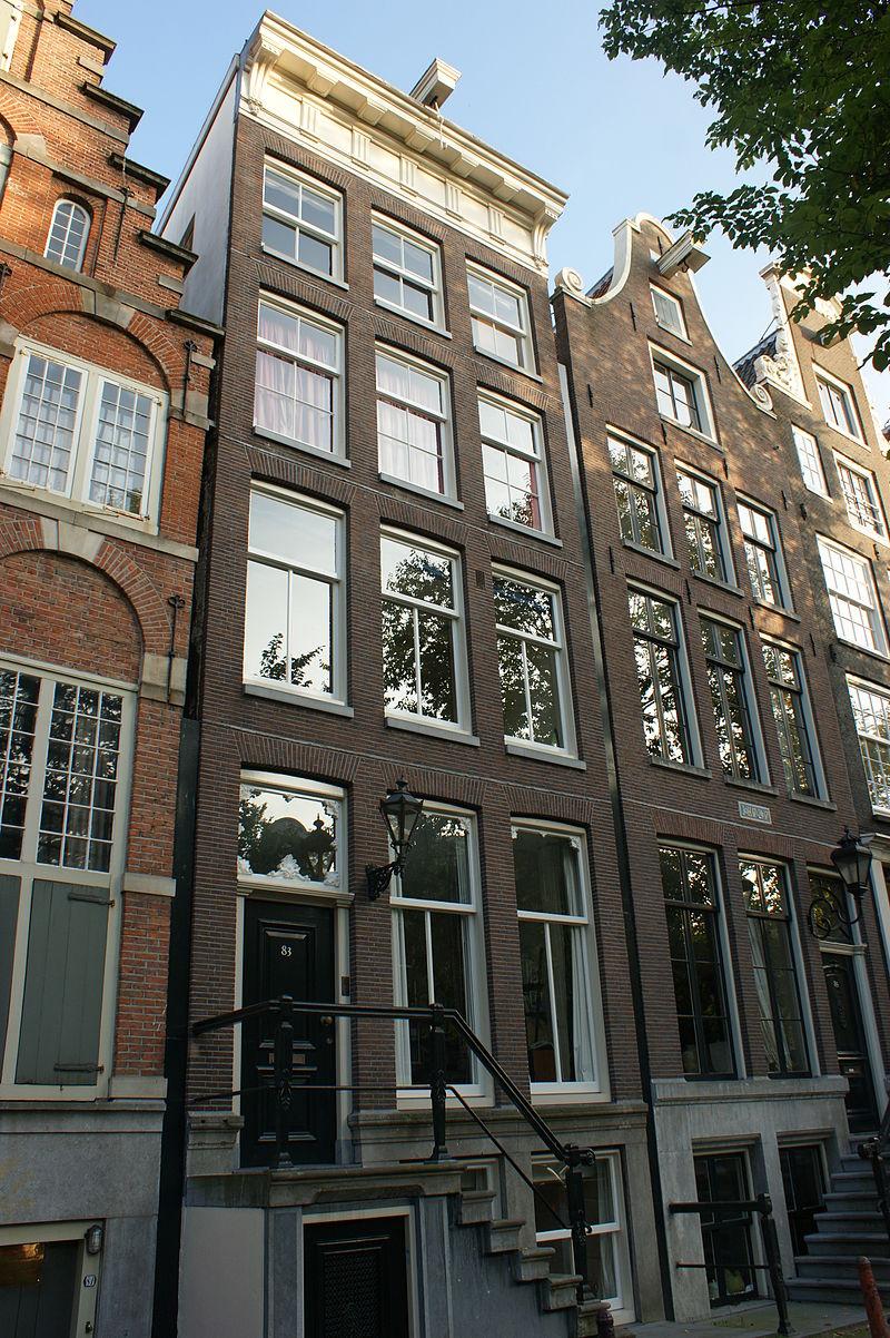 Pand met gevel onder rechte triglyfenlijst met consoles in for Herengracht amsterdam