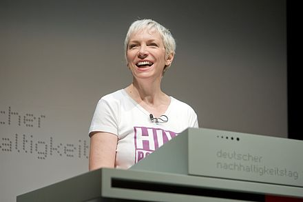 HIV campaigner Lennox in Germany ahead of World AIDS Day in 2008 Annie Lennox DNP.jpg