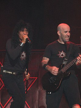 Anthrax live tijdens de Judas Priest Retribution 2005 Tour.