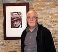 Armengol amb el gravat del Premi Enric Valor.jpg