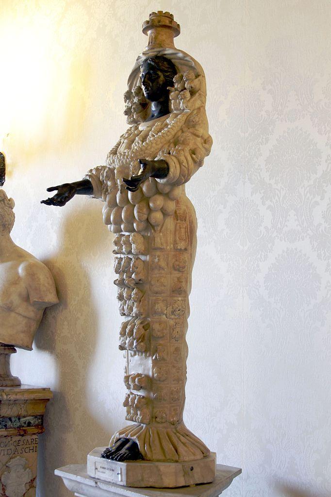 Почему у статуи Артемиды Эфесской так много грудей?