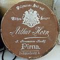 Arthur Horn, P. Flossmanns Nachf., Pelzwaren-, Hut- und Mützen-Lager, Pirna (Muffkarton).jpg