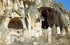Afyonkarahisar Province - Image: Ayazin Gräber