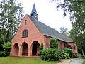 Bad Doberan Friedhof Feierhalle Baudenkmal 2011-08-31.jpg