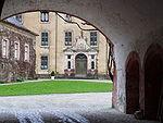 Baden-Baden Blick in Innenhof des Neuen Schlosses.JPG